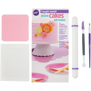 2110000052799_1896_1_wilton_starterset_i_taught_myself_cakes_with_fondant_5tlg_4f3c48c9.jpg