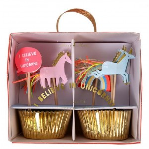 2110000064617_5369_1_meri_meri_i_belive_in_unicorns_cupcake_kit_822d4ac6.jpg